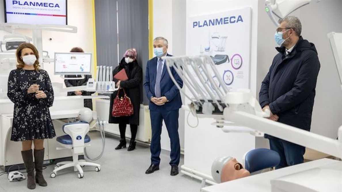 Planmecan simulaatioyksiköt mullistavat hammaslääkärien koulutuksen